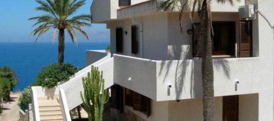 Moderna Villa del Sole sul mare