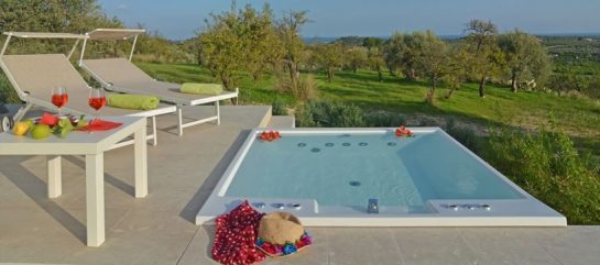 Country Villa Airone with swimming pool and by the sea