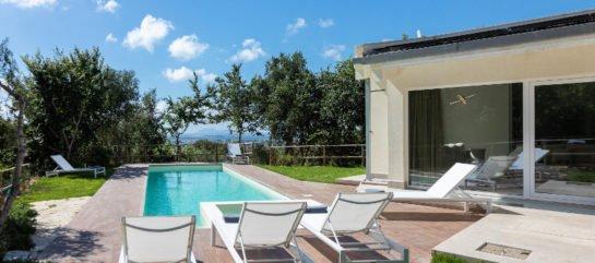 Villa Ferla Verde's pool