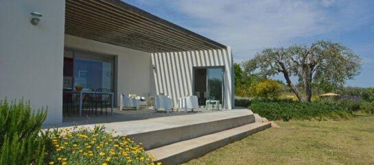 Villa Tenuta Alloro, immersa in zona rurale, con piscina e vasca idromassaggio